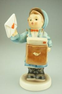 Postman Figurine HUM11920
