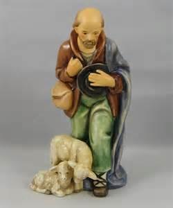Shepherd Standing Figurine HUM214FO8