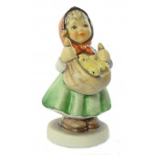 Chicken Licken Figurine HUM38540