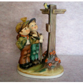 Cross Roads Figurine HUM331