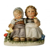 Pleasant Moment Figurine HUM425
